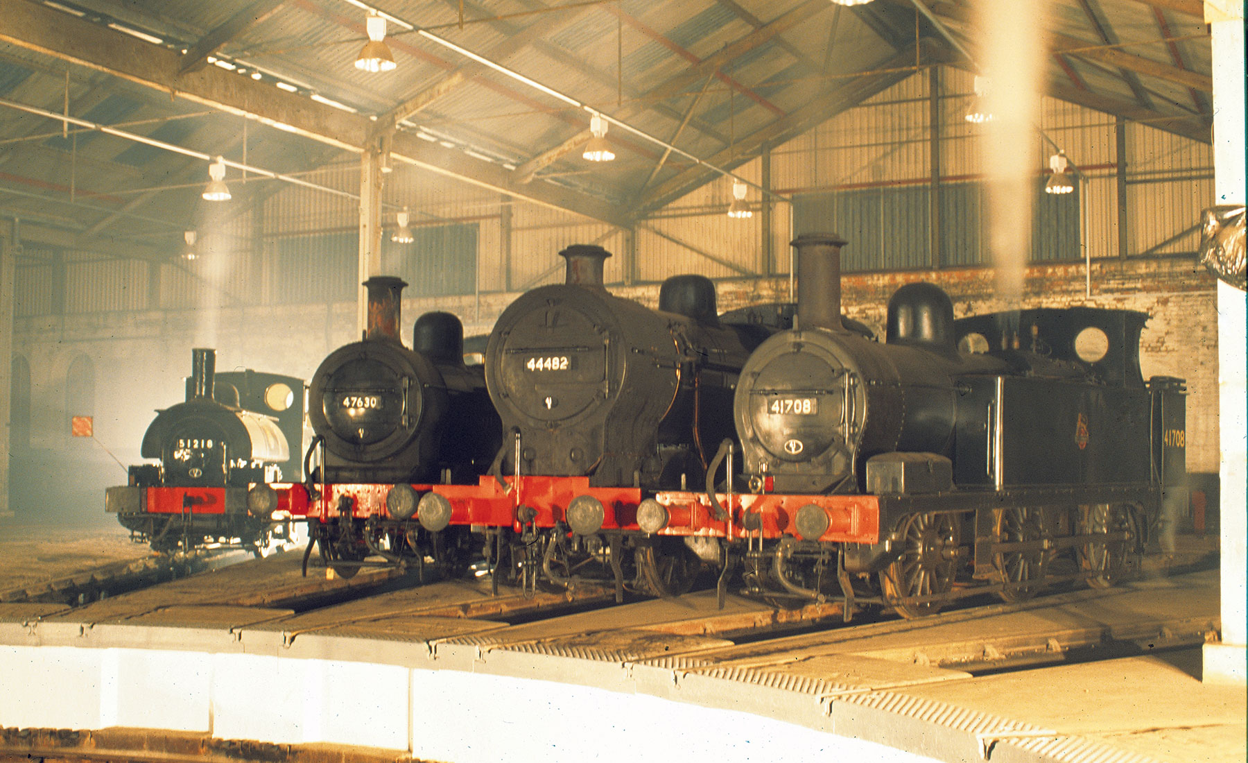 Slide engine shed